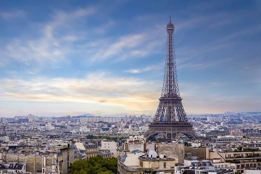 En 2018, les touristes reviennent à Paris, comment les attirer dans votre restaurant ?